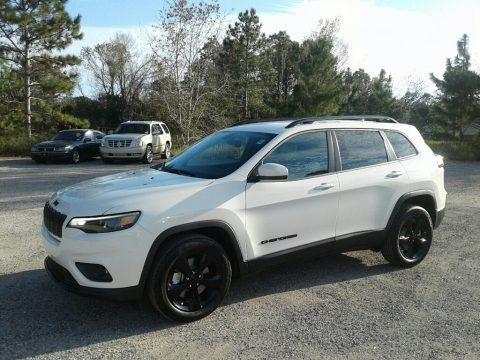 Pearl White 2019 Jeep Cherokee Latitude Plus