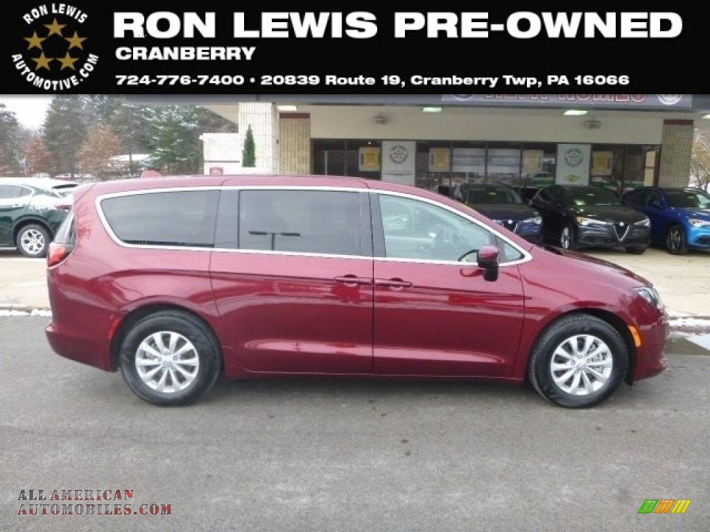 Velvet Red Pearl / Black/Alloy Chrysler Pacifica Touring