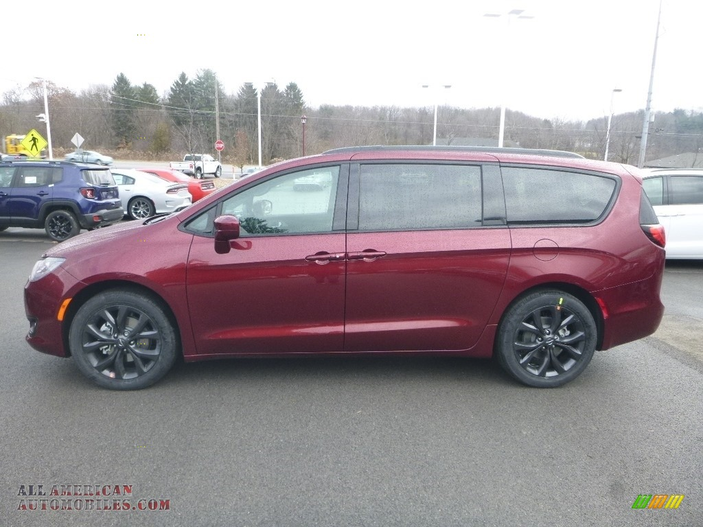 2019 Pacifica Touring Plus - Velvet Red Pearl / Black/Alloy photo #2