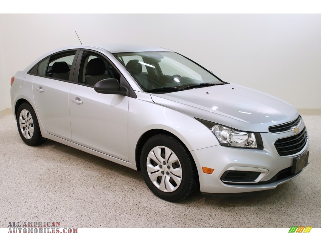 Silver Ice Metallic / Jet Black/Medium Titanium Chevrolet Cruze Limited LS