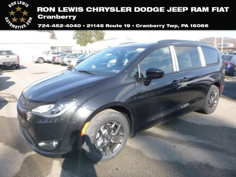 Brilliant Black Crystal Pearl 2019 Chrysler Pacifica Touring Plus