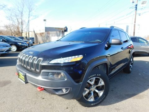 Brilliant Black Crystal Pearl 2014 Jeep Cherokee Trailhawk 4x4