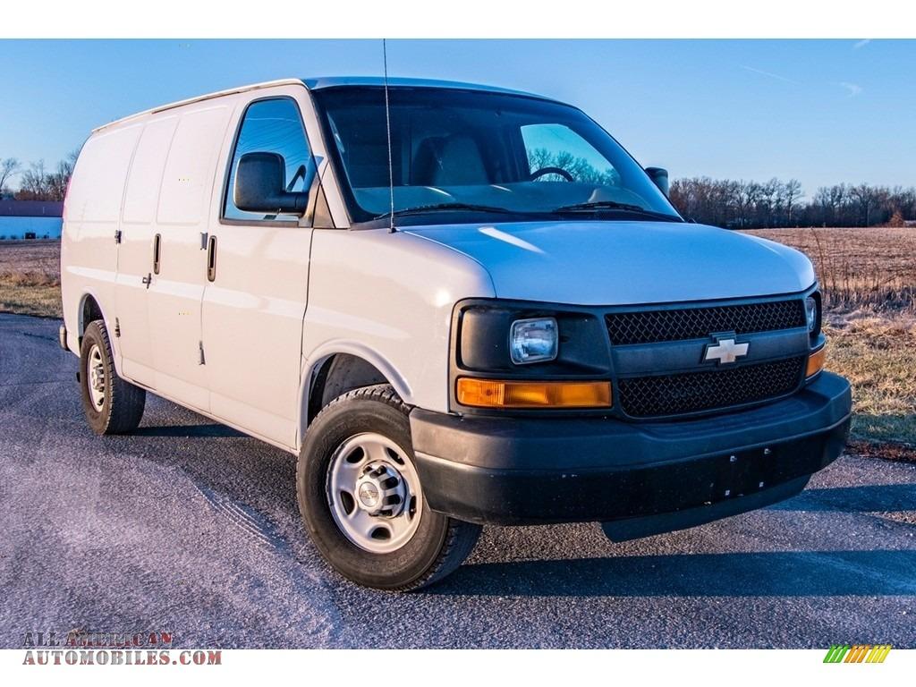 2010 Express 2500 Work Van - Summit White / Neutral photo #1