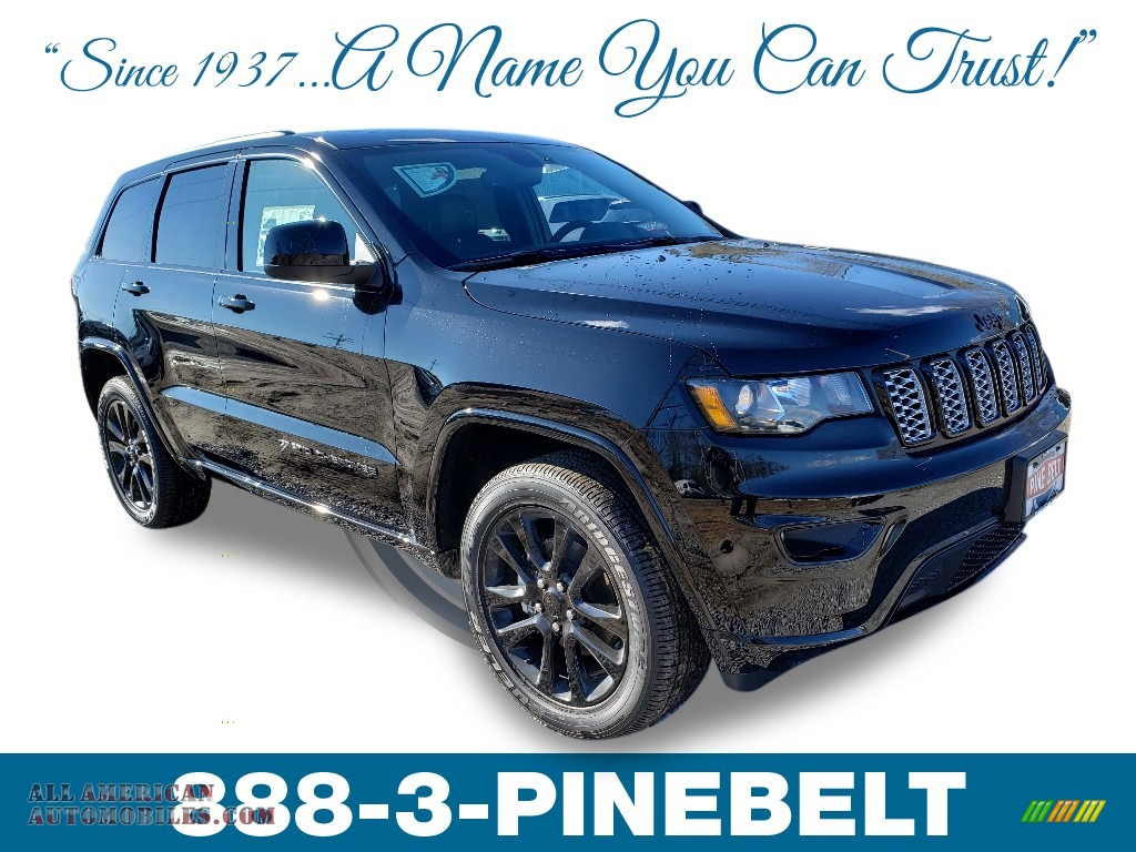 2019 Grand Cherokee Altitude 4x4 - Diamond Black Crystal Pearl / Black photo #1