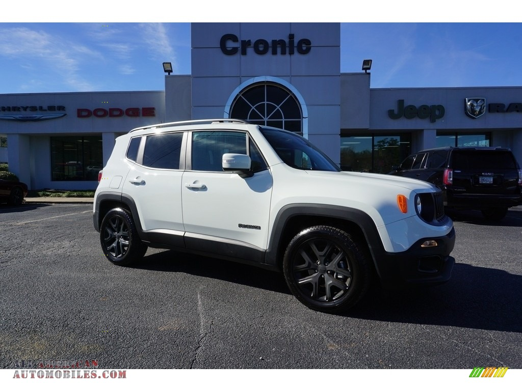 Alpine White / Black Jeep Renegade Latitude