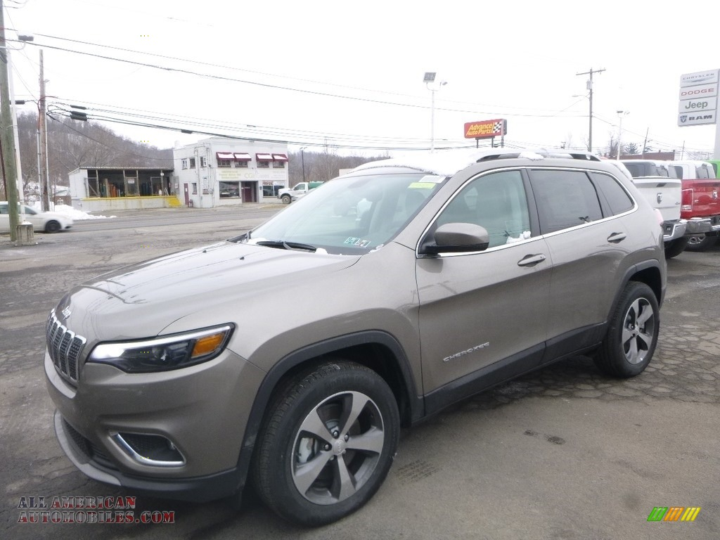 2019 Cherokee Limited 4x4 - Light Brownstone Pearl / Black photo #1