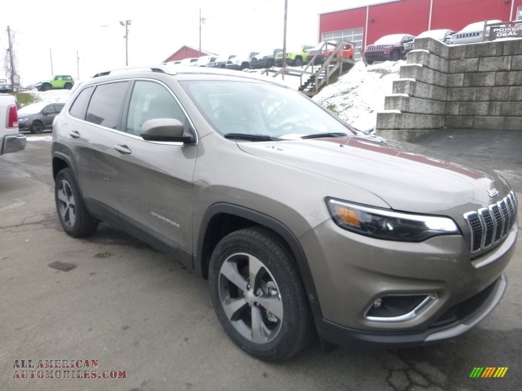 2019 Cherokee Limited 4x4 - Light Brownstone Pearl / Black photo #7