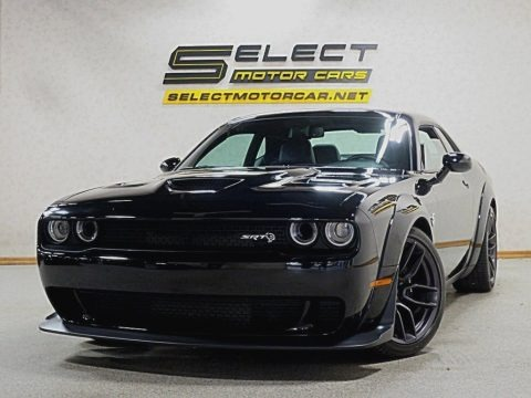 Pitch Black 2018 Dodge Challenger SRT Hellcat