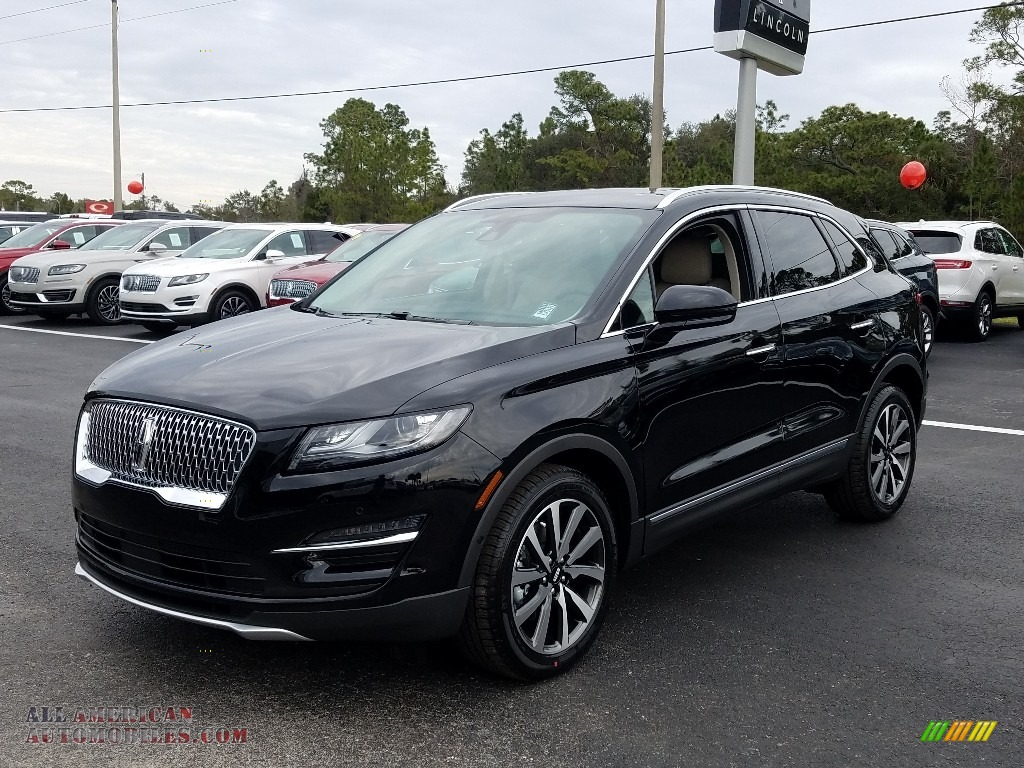 Infinite Black Metallic / Cappuccino Lincoln MKC Reserve
