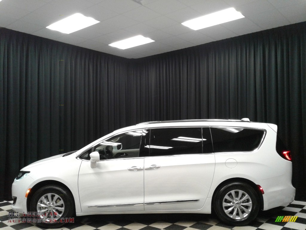 2019 Pacifica Touring L - Bright White / Black/Alloy photo #1