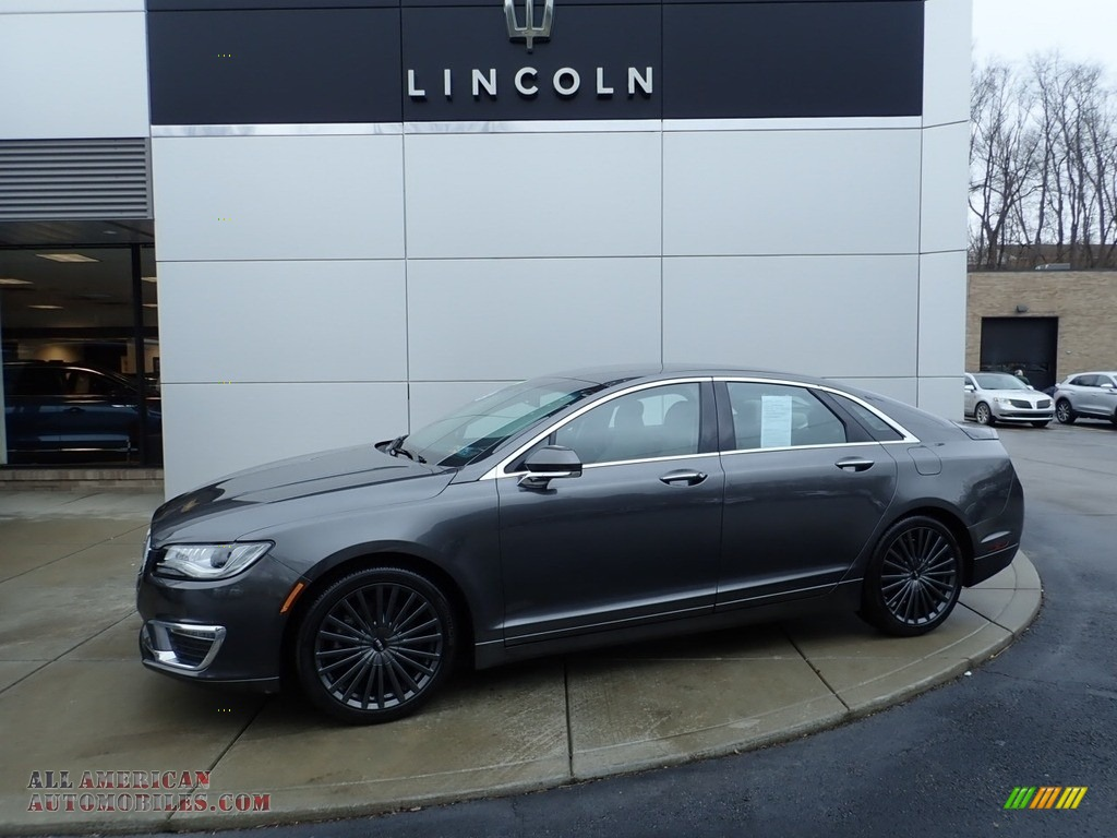 Magnetic Gray / Jade Gray Lincoln MKZ Reserve