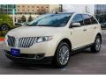 Lincoln MKX FWD White Platinum Metallic Tri-Coat photo #3