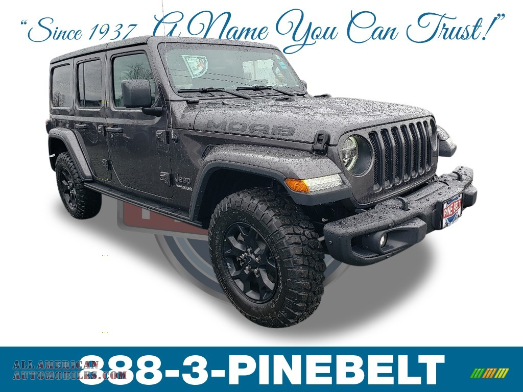 Granite Crystal Metallic / Black Jeep Wrangler Unlimited MOAB 4x4