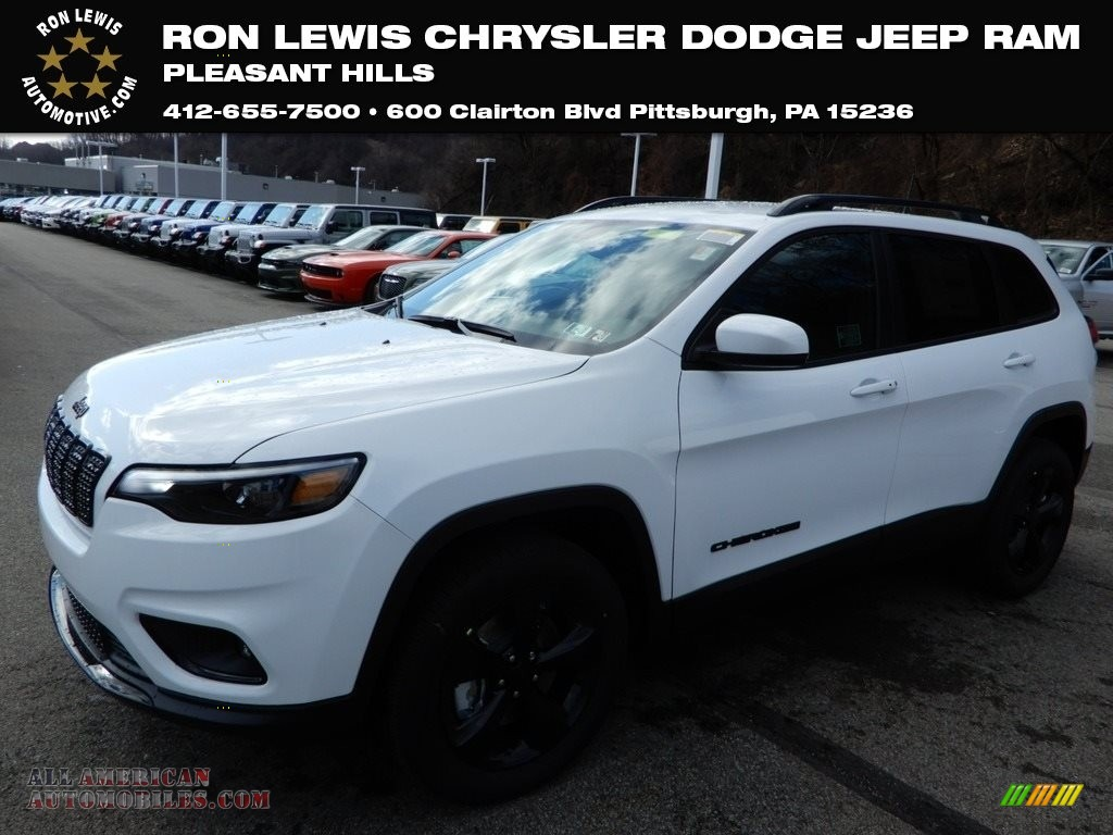 2019 Cherokee Latitude Plus 4x4 - Bright White / Black photo #1