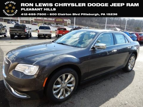 Granite Crystal Metallic 2019 Chrysler 300 Limited AWD