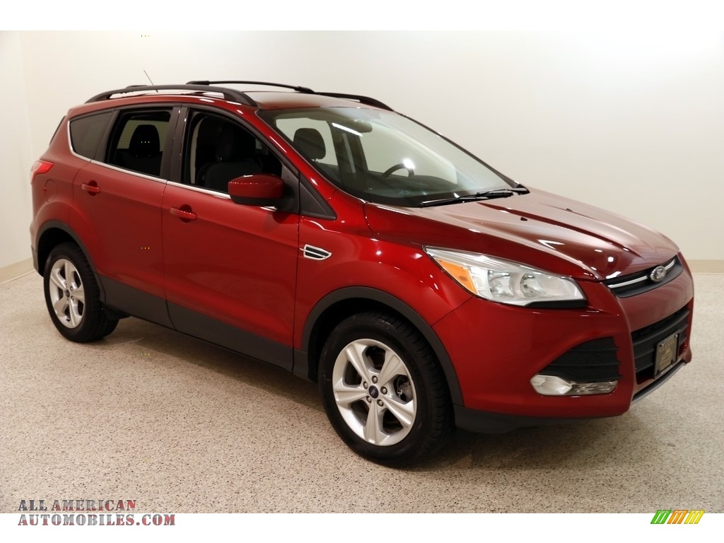 2013 Escape SE 2.0L EcoBoost 4WD - Ruby Red Metallic / Charcoal Black photo #1