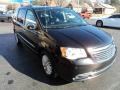 Chrysler Town & Country Touring-L Brilliant Black Crystal Pearl photo #5