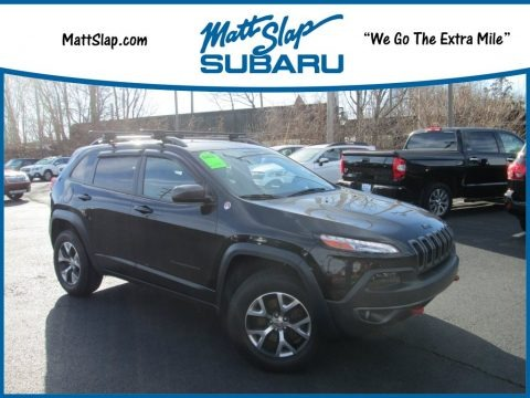 Brilliant Black Crystal Pearl 2015 Jeep Cherokee Trailhawk 4x4