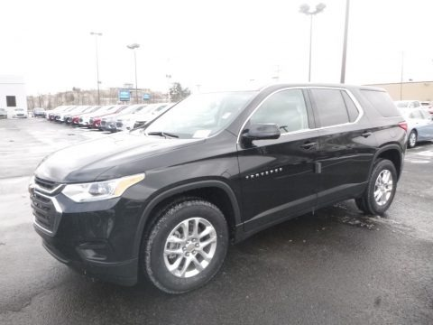 Mosaic Black Metallic 2019 Chevrolet Traverse LS