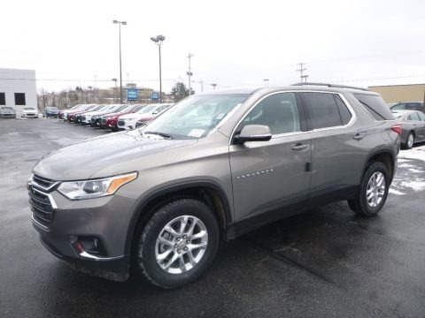 Pepperdust Metallic 2019 Chevrolet Traverse LT AWD