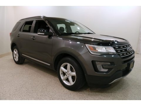 Magnetic 2017 Ford Explorer XLT 4WD