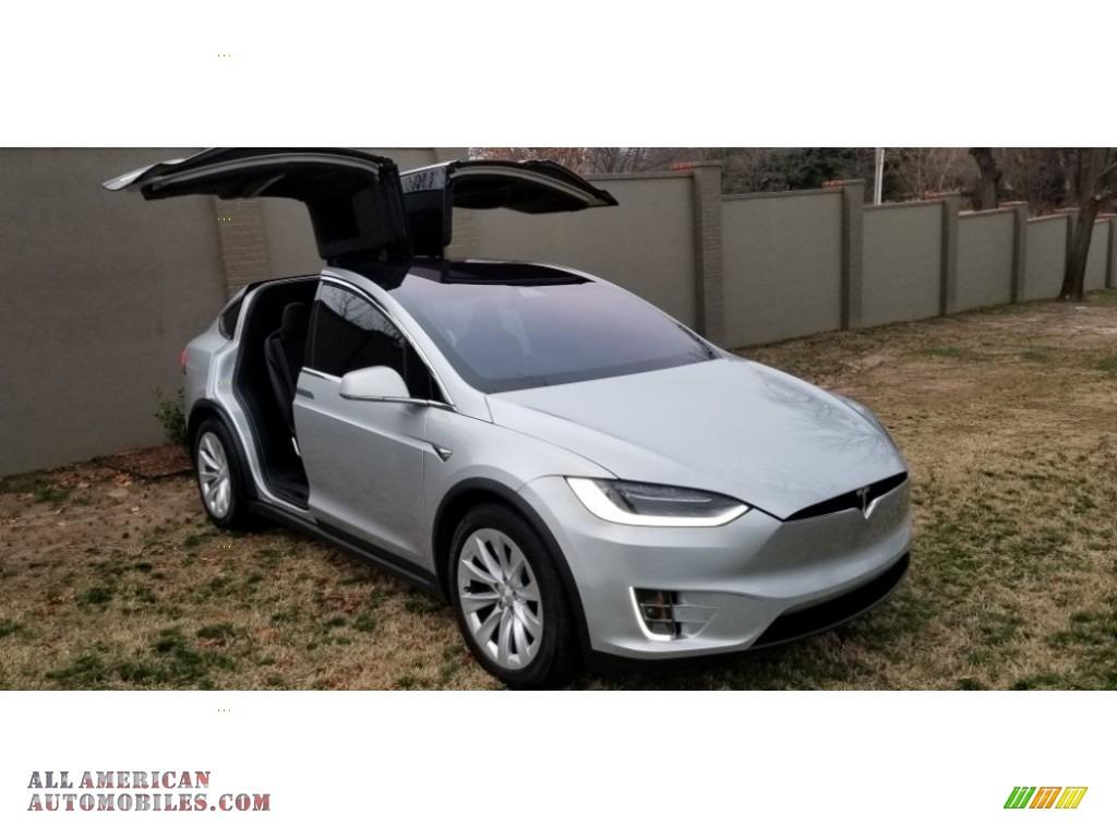 Silver Metallic / Black Tesla Model X 100D