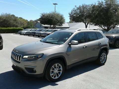 Light Brownstone Pearl 2019 Jeep Cherokee Latitude Plus