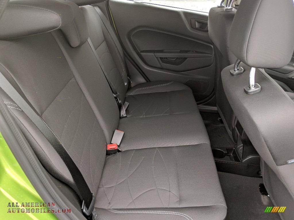 2019 Fiesta SE Hatchback - Outrageous Green / Charcoal Black photo #9