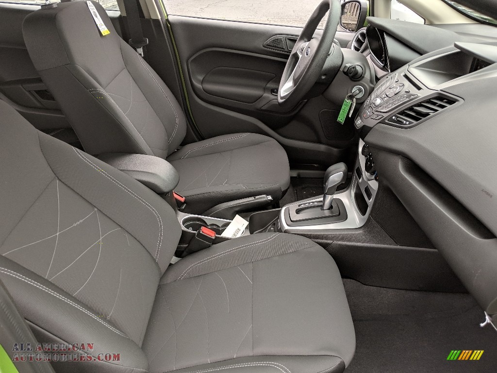 2019 Fiesta SE Hatchback - Outrageous Green / Charcoal Black photo #12