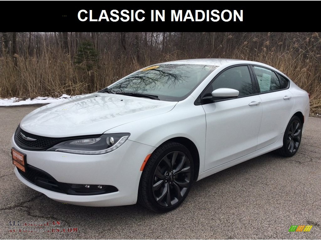 Lunar White Tri-Coat Pearl / Black Chrysler 200 S