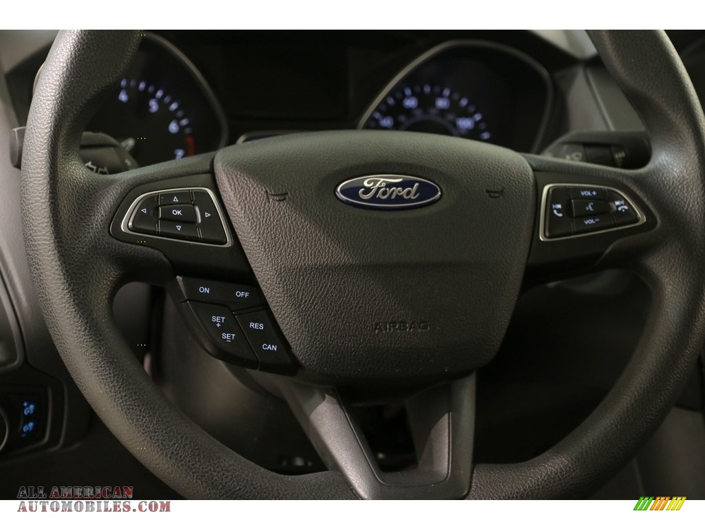2016 Focus SE Sedan - Magnetic / Charcoal Black photo #7