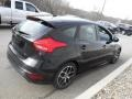 Ford Focus SE Hatch Shadow Black photo #7