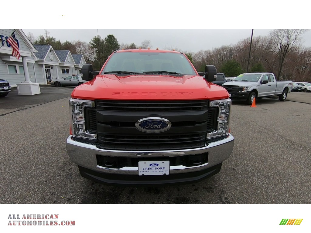 2019 F350 Super Duty XL Regular Cab 4x4 - Race Red / Earth Gray photo #2