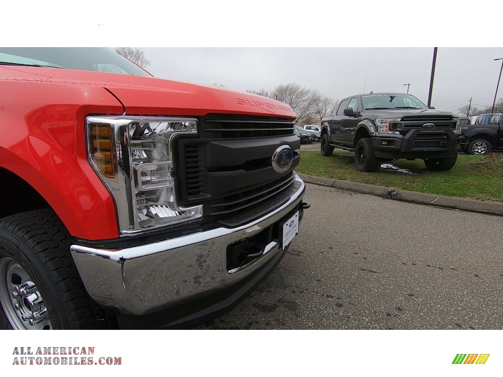 2019 F350 Super Duty XL Regular Cab 4x4 - Race Red / Earth Gray photo #24