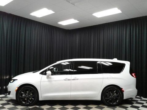 Bright White 2019 Chrysler Pacifica Touring Plus