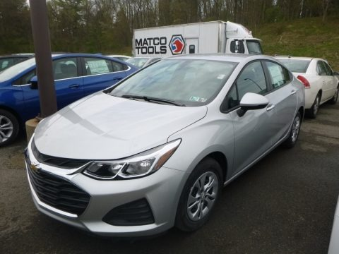 Silver Ice Metallic 2019 Chevrolet Cruze LS