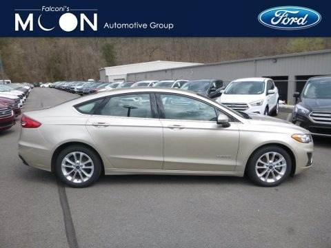 White Gold 2019 Ford Fusion Hybrid SE