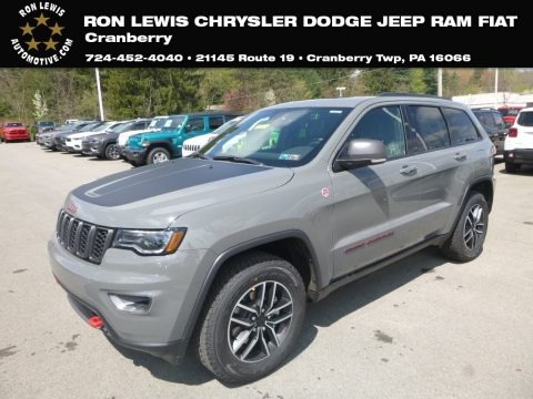 Sting-Gray 2019 Jeep Grand Cherokee Trailhawk 4x4