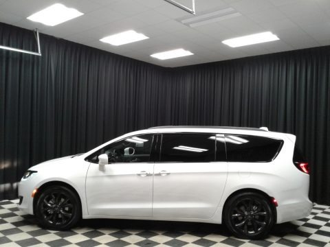 Bright White 2019 Chrysler Pacifica Touring Plus