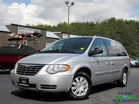 Bright Silver Metallic 2006 Chrysler Town & Country Touring