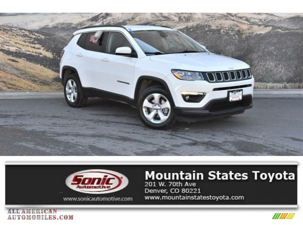 Bright White / Black Jeep Compass Latitude 4x4