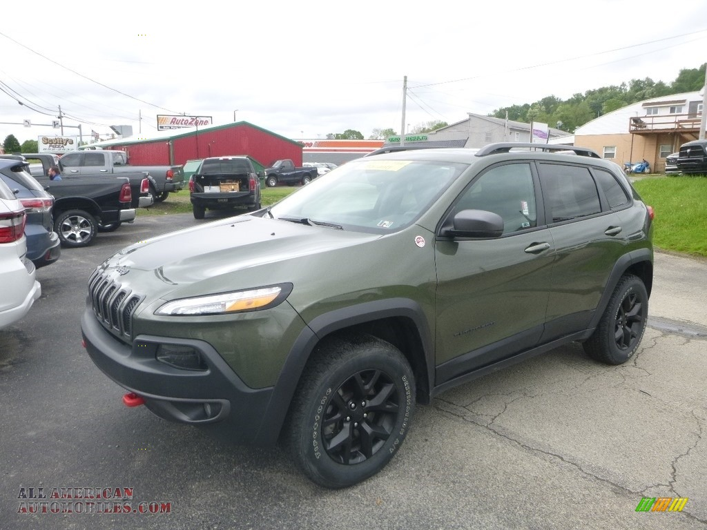 2018 Cherokee Trailhawk 4x4 - Olive Green Pearl / Black photo #1