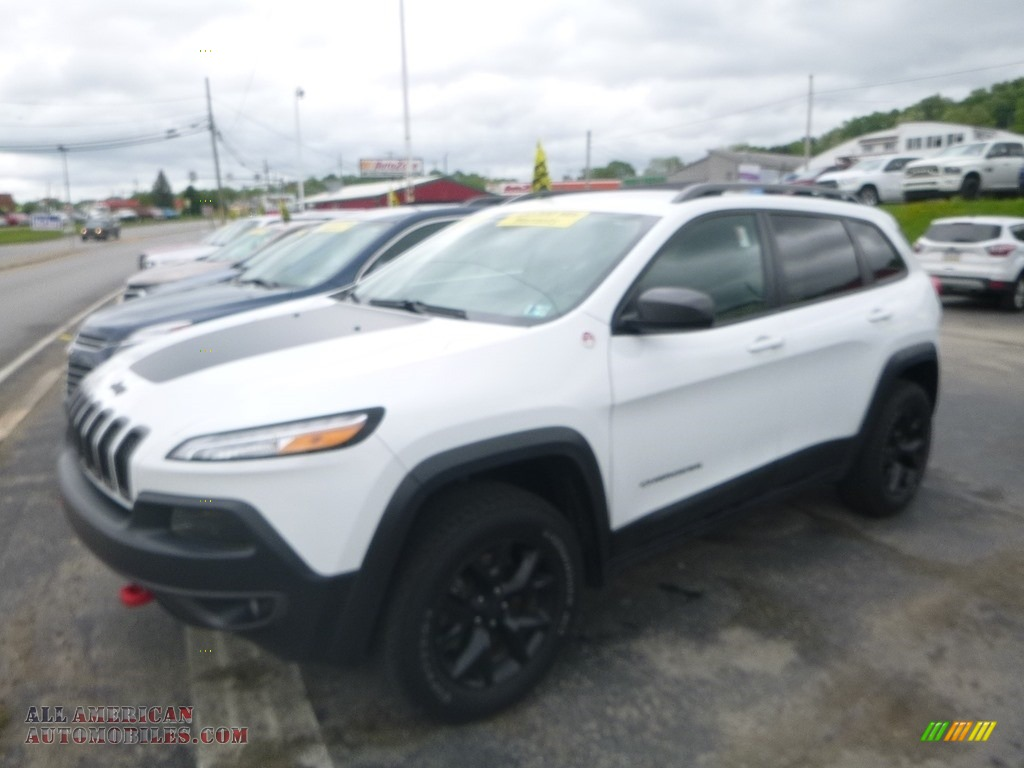 2017 Cherokee Trailhawk 4x4 - Bright White / Black photo #1