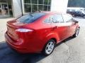 Ford Fiesta SE Sedan Hot Pepper Red photo #2