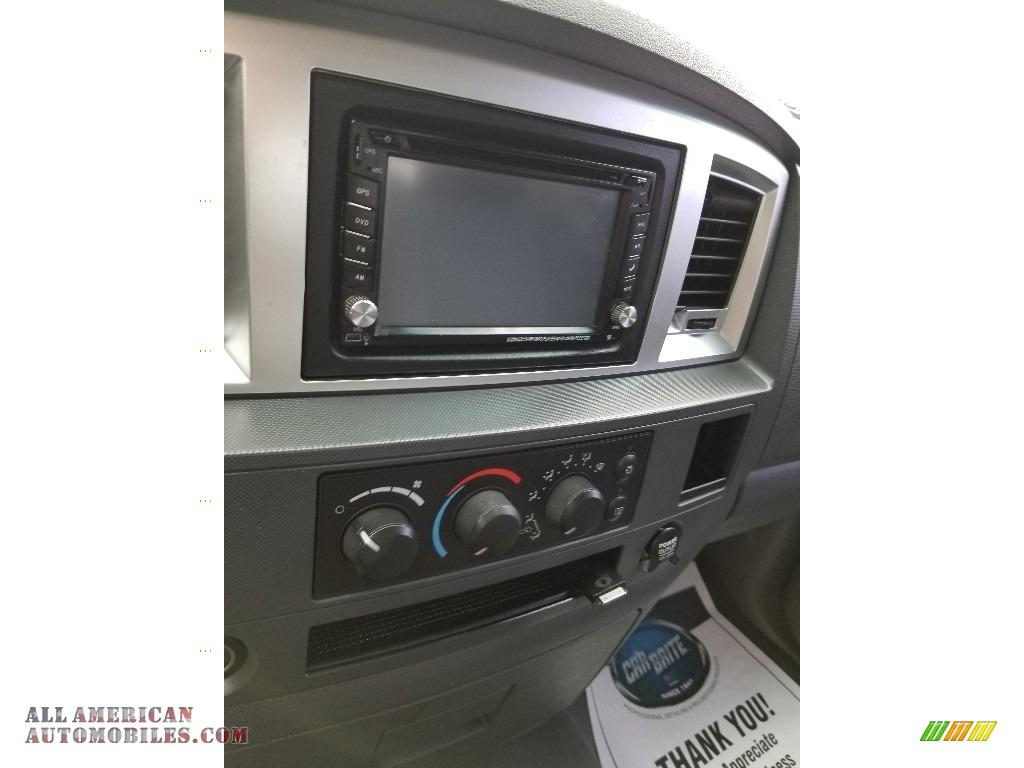 2008 Ram 1500 SLT Quad Cab 4x4 - Brilliant Black Crystal Pearl / Medium Slate Gray photo #14
