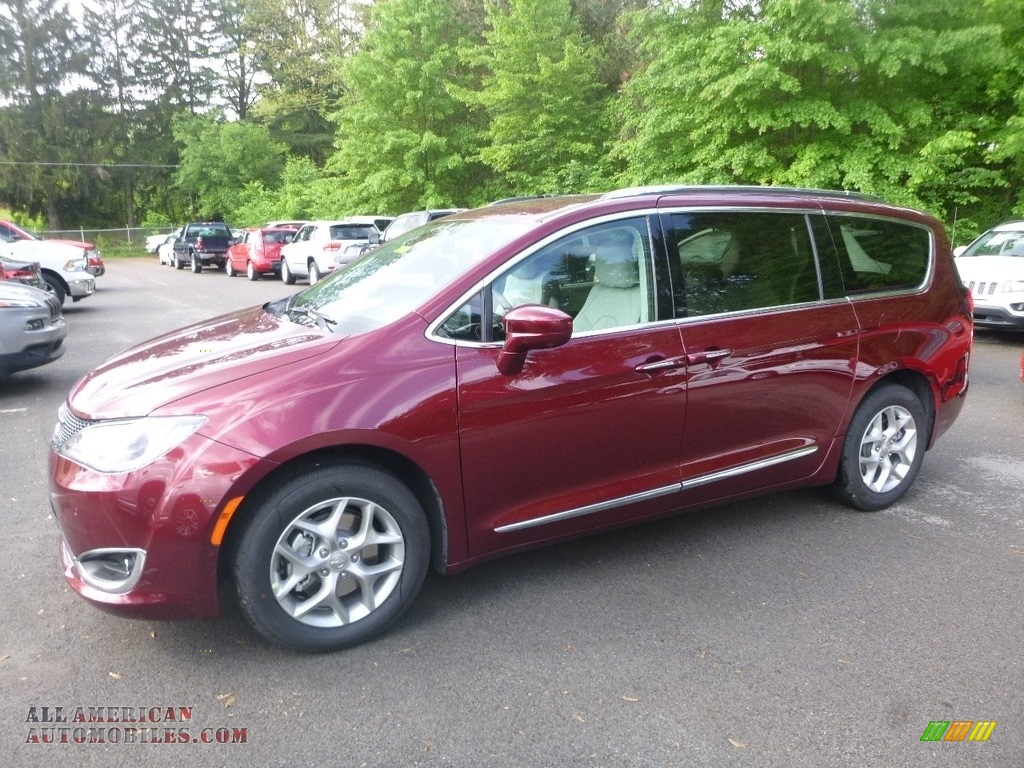 2019 Pacifica Touring L - Velvet Red Pearl / Black/Alloy photo #1