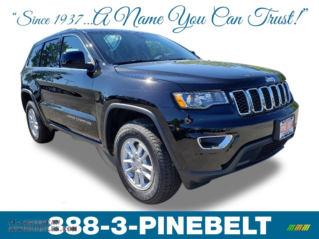 2019 Grand Cherokee Laredo 4x4 - Diamond Black Crystal Pearl / Black photo #1