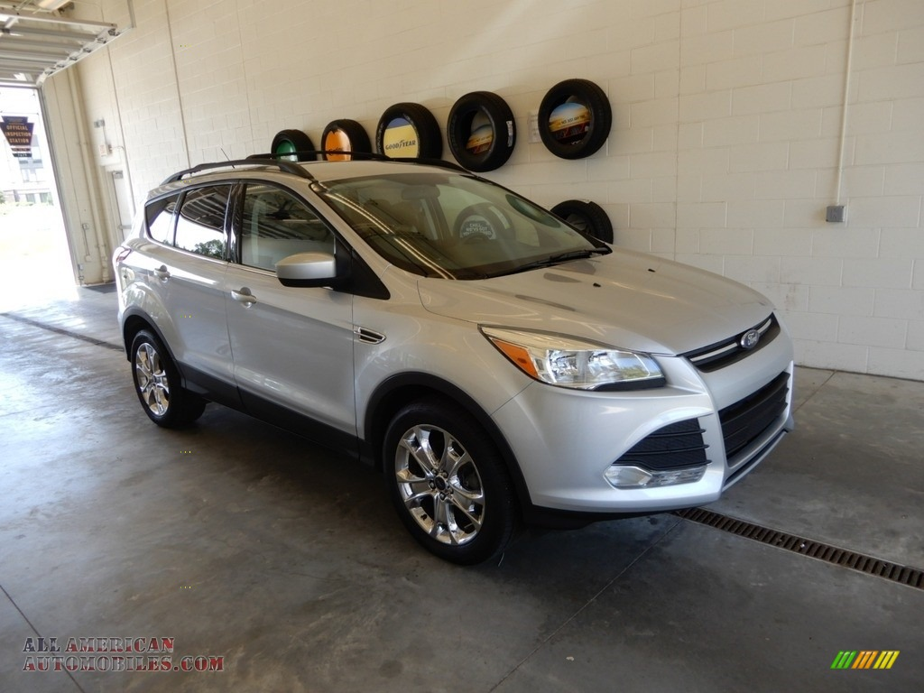 2016 Escape SE 4WD - Ingot Silver Metallic / Charcoal Black photo #1
