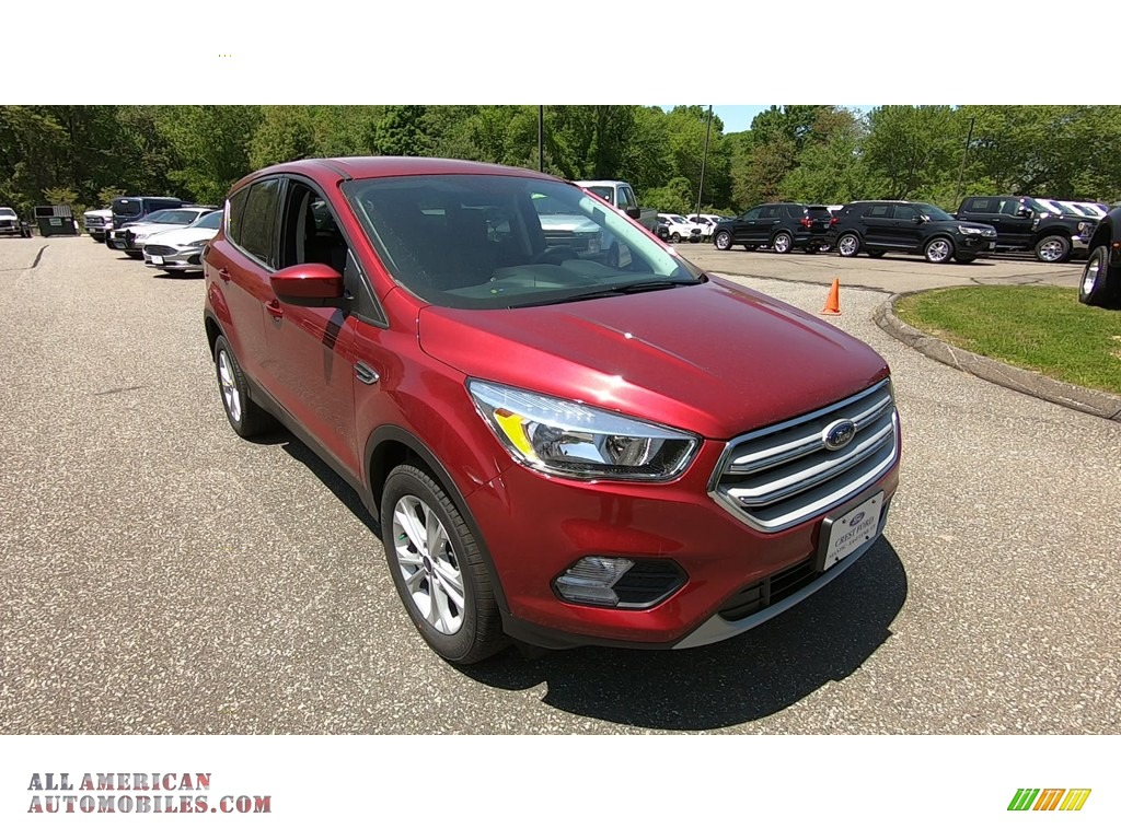 Ruby Red / Chromite Gray/Charcoal Black Ford Escape SE 4WD