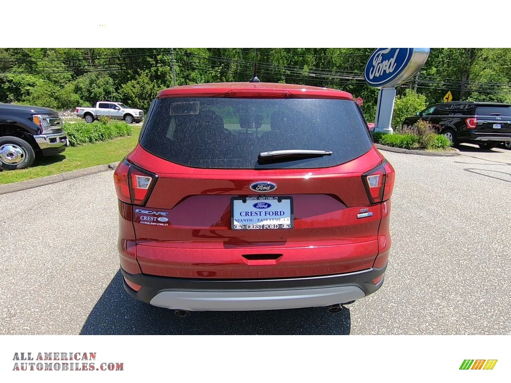 2019 Escape SE 4WD - Ruby Red / Chromite Gray/Charcoal Black photo #6